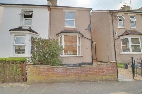 2 bedroom semi-detached house to rent - Little Roke Avenue, Kenley
