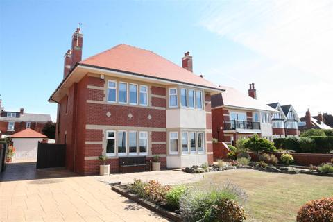 4 bedroom detached house for sale - Inner Promenade, Fairhaven, Lytham St Annes