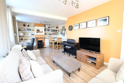 3 bedroom semi-detached house for sale - Station Road, Hatfield Peverel, Chelmsford