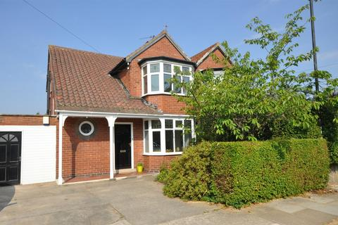 3 bedroom semi-detached house for sale - Barmby Avenue, York, YO10 4HX
