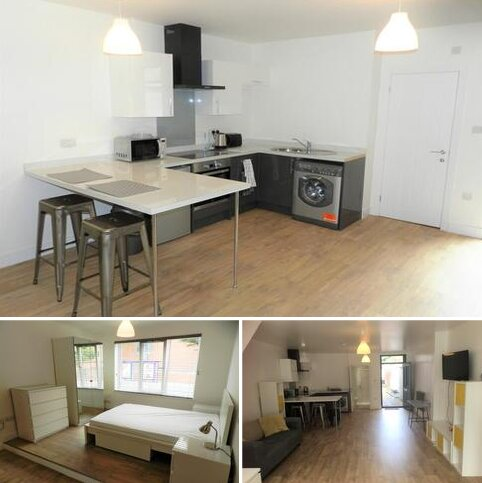 Studio to rent - Manners Road, Southsea