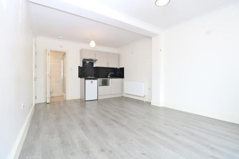 Studio to rent - Carlisle Avenue, London