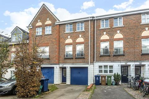 3 bedroom townhouse to rent - Don Bosco Close,  Oxford,  OX4