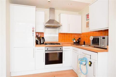 2 bedroom maisonette for sale - Millers Road, Brighton, East Sussex