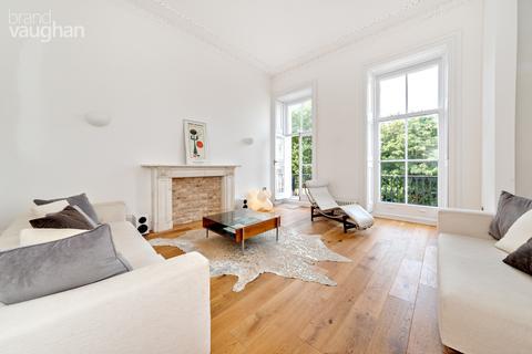 3 bedroom apartment to rent - Sussex Square, Brighton, BN2