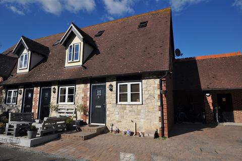2 bedroom end of terrace house for sale - Pertwee Mews, Writtle Road, Chelmsford