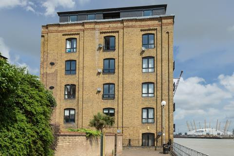 1 bedroom flat to rent - Cubbits Wharf, Docklands E14
