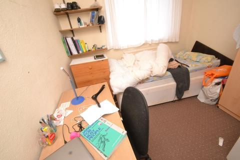 3 bedroom house to rent - Lace Street, NG7 - UON
