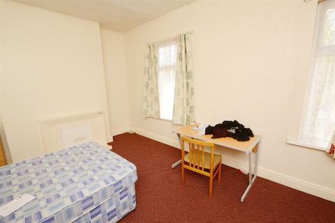 5 bedroom house to rent - Birch Lane