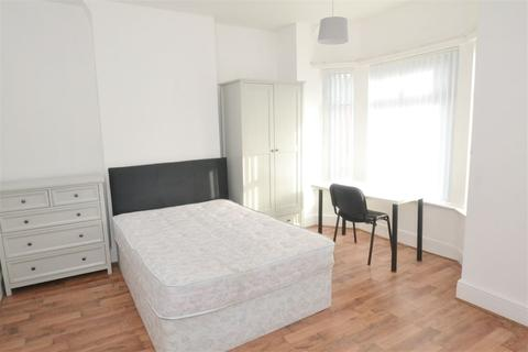 4 bedroom house to rent - Monica Grove