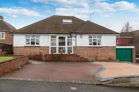 2 bedroom detached bungalow for sale - Varndean Gardens, Brighton, BN1