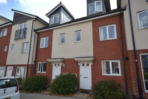 3 bedroom townhouse to rent - Kiln View, Hanley
