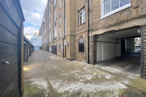 Garage to rent - Lock Up, Rutland Gate