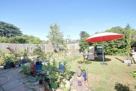 3 bedroom bungalow for sale - Village Green Avenue, Biggin Hill