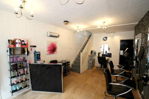 Hairdresser and barber shop for sale - 121 Mid Street, Keith, AB55