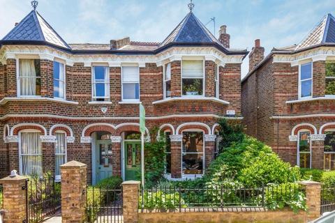 4 bedroom semi-detached house to rent - Binden Road W12