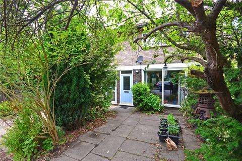 3 bedroom terraced house to rent - Wilberforce Road, Cambridge, Cambridgeshire, CB3
