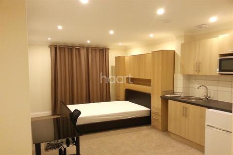 Studio to rent - Altwood Road - Maidenhead