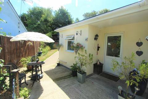 2 bedroom detached bungalow for sale - Portsmouth Road, Southampton