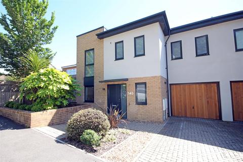 4 bedroom semi-detached house for sale - Vale Avenue, Patcham Village, Brighton