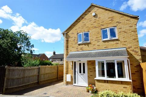 3 bedroom detached house for sale - Woodcote Close, Dogsthorpe, Peterborough