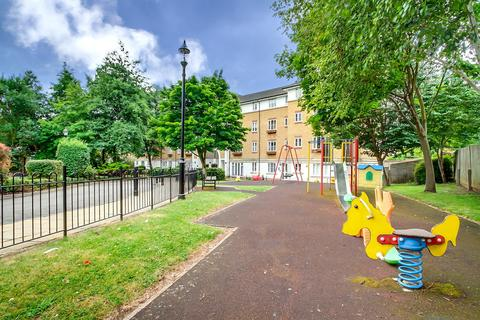 2 bedroom flat to rent - Goddard Place N19