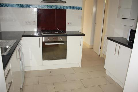 4 bedroom end of terrace house to rent -  Chesham Terrace    ,  West Ealing, W13