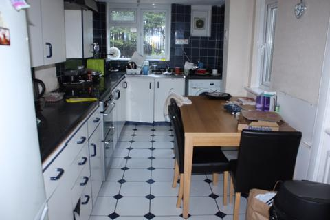 4 bedroom semi-detached house to rent -  Popes Lane    ,  Ealing, W5