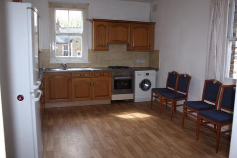 4 bedroom terraced house to rent -  Temple Road,  London, W5