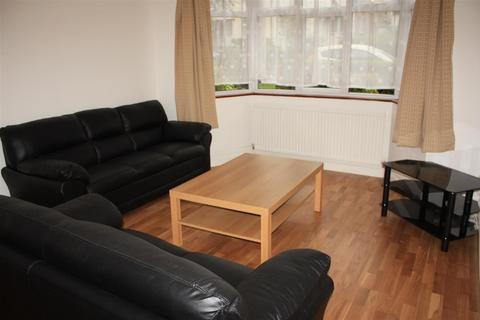 4 bedroom terraced house to rent -  The Ridgeway    ,  Acton, W3