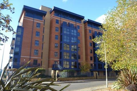 3 bedroom apartment to rent - Charter House Canute Road, City Centre, Southampton, SO14
