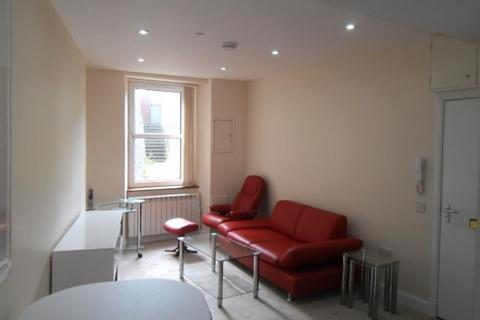 1 bedroom flat to rent - 17b Menzies Road, Basement right, Aberdeen, AB11 9AX