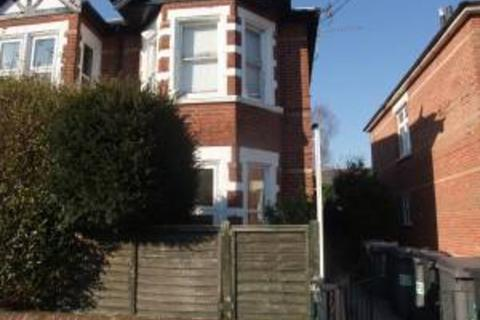 Studio to rent - St Martins Court, 83 Richmond Wood Road, Queens Park
