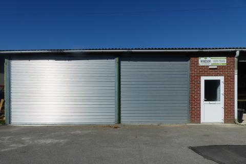 Light industrial to rent - Droxford, Southampton SO32