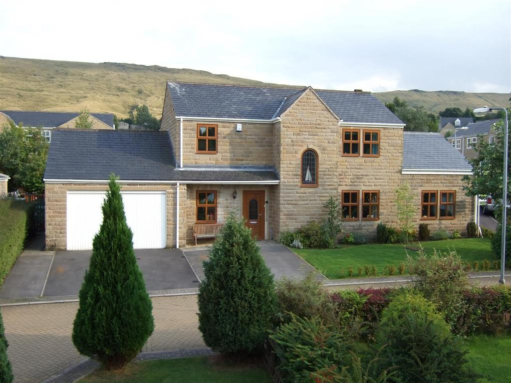 4 Bedrooms Detached House for sale in Manor Close, Stoodley, Todmorden