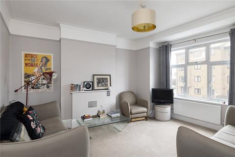 3 bedroom terraced house to rent - Ambleside Gardens, London, SW16