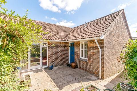 2 bedroom semi-detached bungalow for sale - Foxbury Place, Great Bedwyn, Marlborough, Wiltshire, SN8