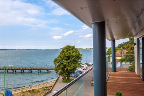 2 bedroom flat for sale - Shotley Lodge, Queen Victoria Drive, Shotley, Ipswich, IP9