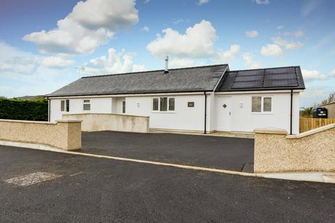 3 bedroom detached bungalow for sale - Botwnnog, Pwllheli, North Wales