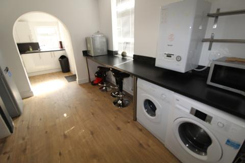 4 bedroom semi-detached house to rent - BEDFORD STREET, DERBY,