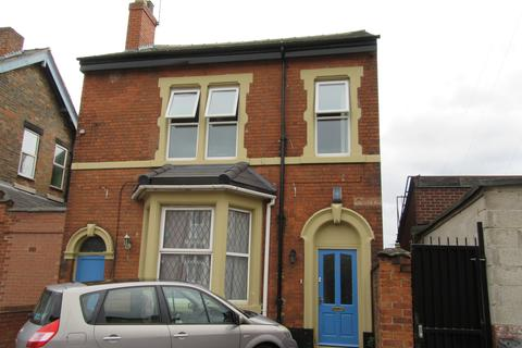 8 bedroom house to rent - Charnwood Street, Derby,