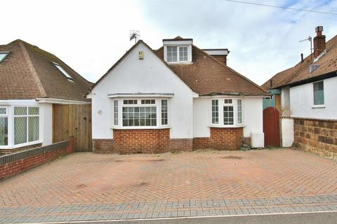 3 bedroom detached bungalow for sale - Farm Hill