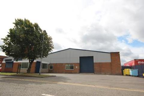 Industrial unit to rent - Unit 6B, Summit Crescent Industrial Estate, Roebuck Lane, Smethwick, West Midlands, B66 1BT