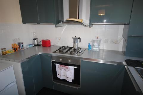 2 bedroom flat for sale - Beechwood Grove, Acton, W3 7HX