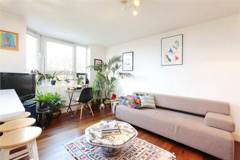 1 bedroom flat for sale - Prince Of Wales Drive, Battersea, London