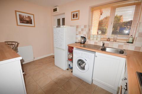 2 bedroom townhouse to rent - Waterfield Mews, Westfield, Sheffield, S20