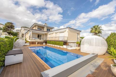 4 bedroom villa  - La mata, Alicante