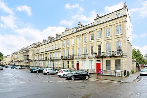 4 bedroom flat to rent - Vyvyan Terrace, Clifton,