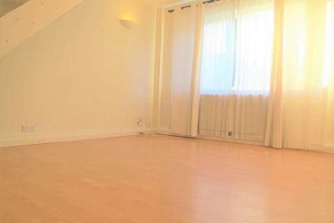 2 bedroom terraced house for sale - KNELLER ROAD, TWICKENHAM
