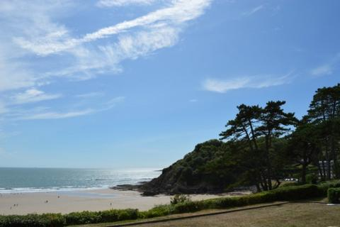 2 bedroom apartment to rent - 23 Caswell Bay Court Caswell Bay Swansea